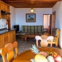 Küchenzeile und Salon