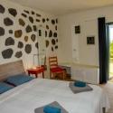 Weiteres Südschlafzimmer mit Austrit auf die Liegewiese