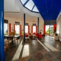 Panoramablick und gläserner Dachreiter im Haupthaus