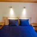 Großes Doppelbett im 1. Schlafzimmer