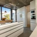 Komplette und modern eingerichtete Küche