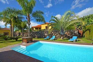 Villa in La Punta mit Pool