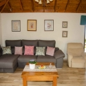 Riesiges Sofa mit Kissenschlachtpotential